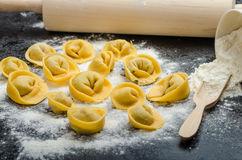 tortellini-fait-maison-de-ptes-bourr-48644194
